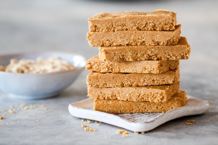 Vanilla Peanut Butter Protein Bars using Form Nutrition